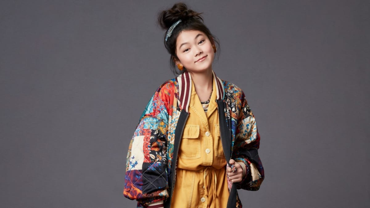 The Baby Sitters Club Star Momona Tamada On Claudia Kishi S Fashion Influence And Her Cool Nod To Clueless New Designers