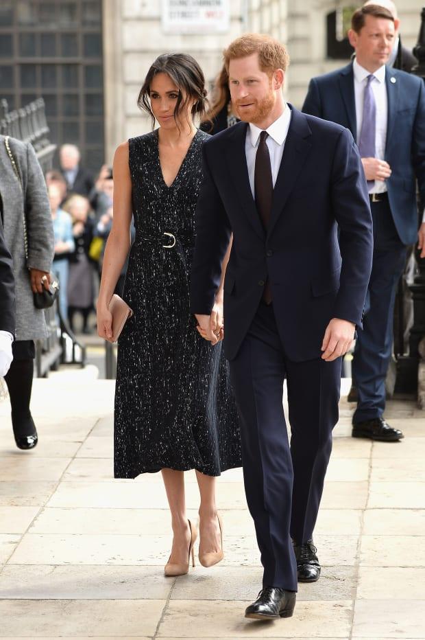 Prince Harry and Meghan Markle publish engagement photos forecasting