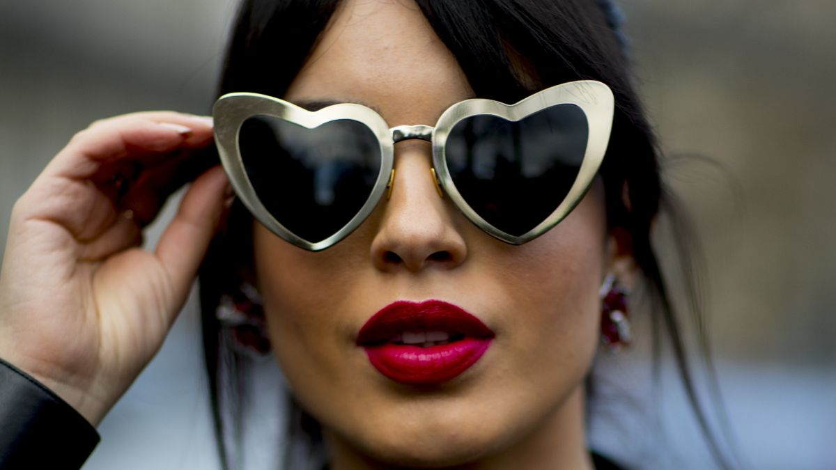 46b510421fe See the Best Beauty Street Style Snaps From Paris Fashion Week ...