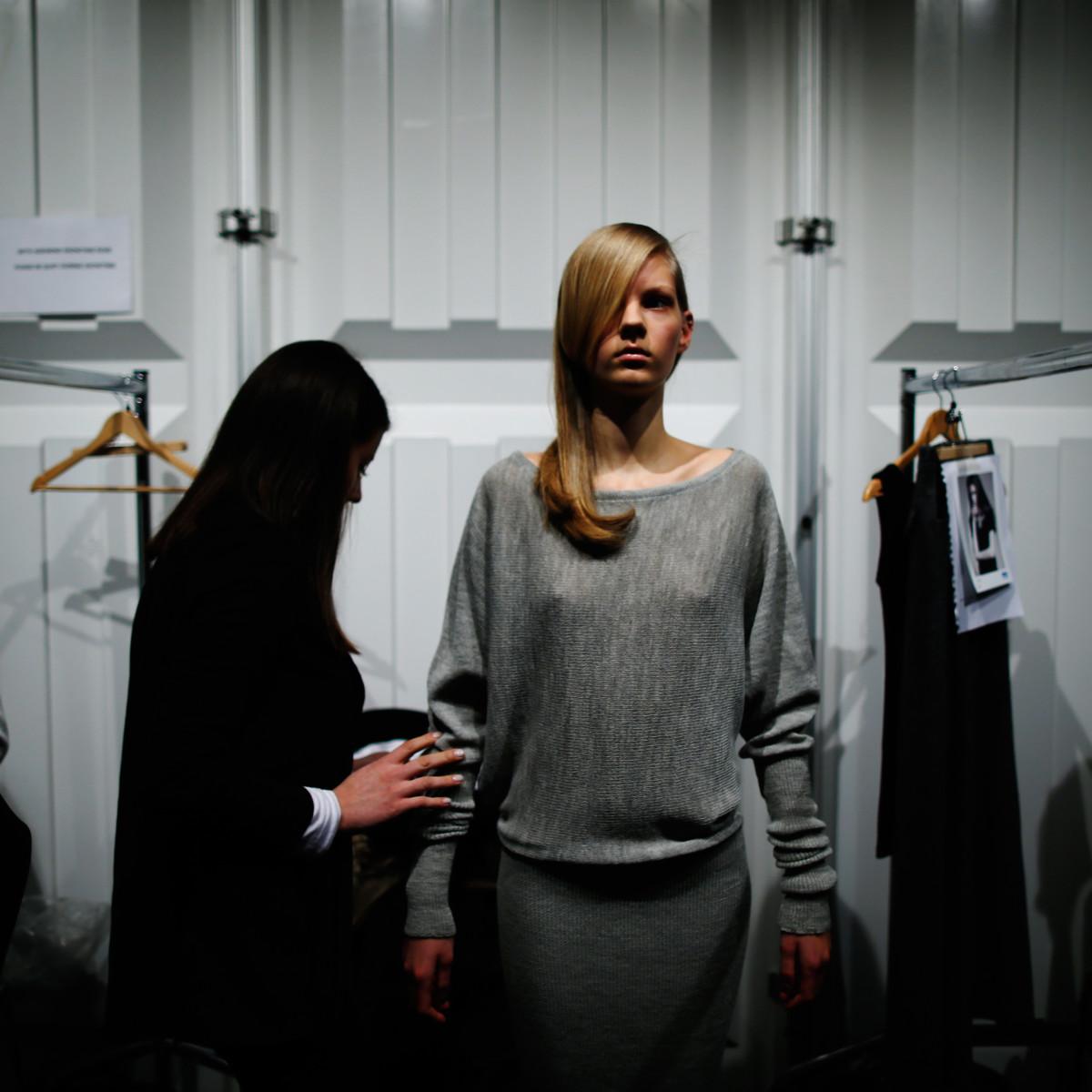 Editorial fashion stylist jobs 15