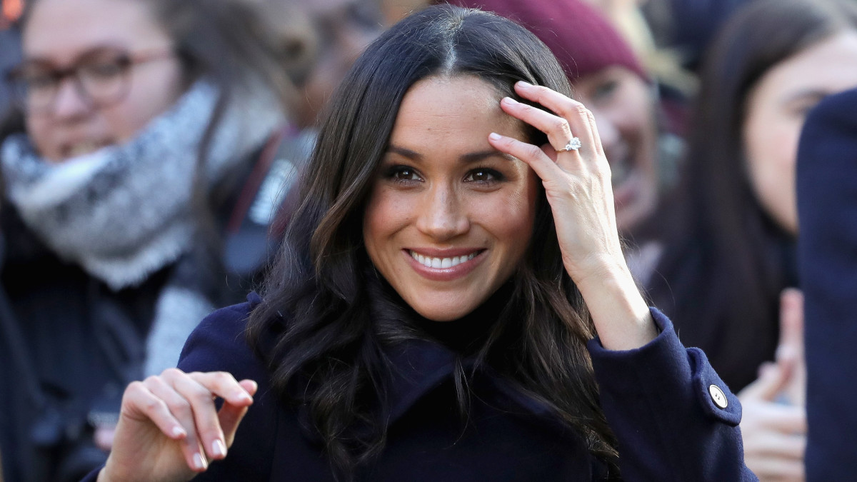 Prince Harry and Meghan Markle publish engagement photos picture
