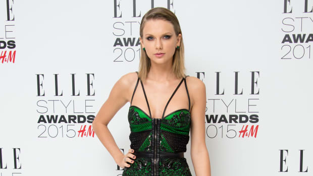 main-taylor-swift-green-dress-elle-style-awards-2015.jpg