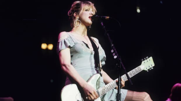 courtney-love-th.jpg