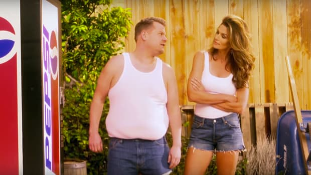 cindy-crawford-james-corden-pepsi-commercial.png