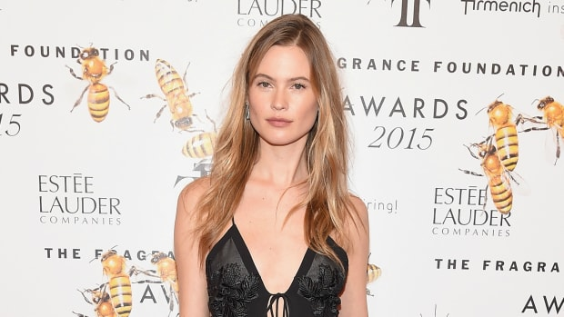 behati-prinsloo-fragrance-awards-2.jpg