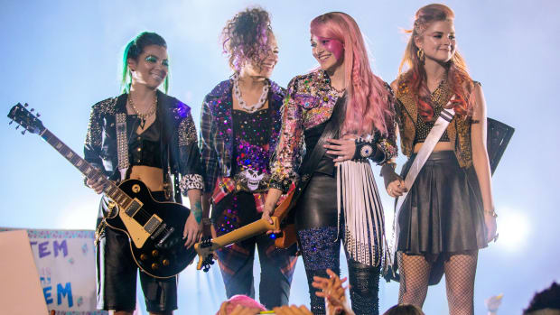 main-jem-and-the-holograms-concert.jpg