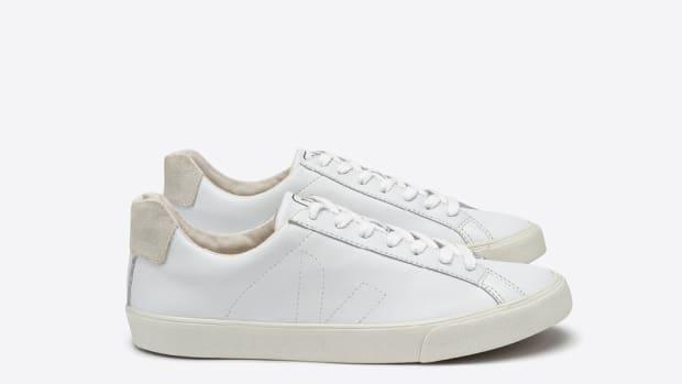 veja shoes.jpg