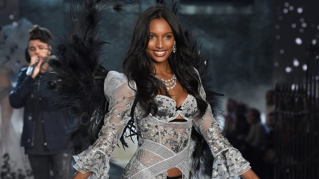 main-jasmine-tookes-2015-victorias-secret-fashion-show