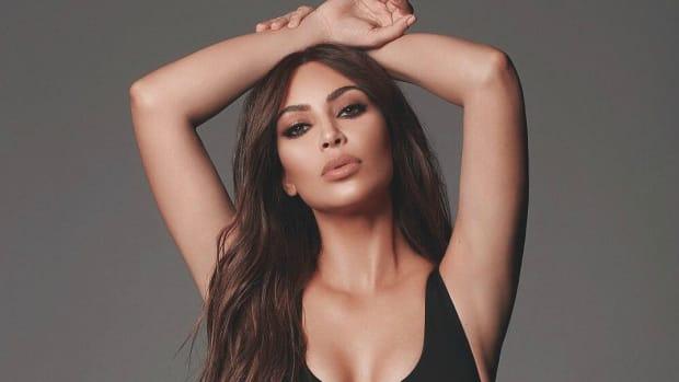 kim-kardashian--lingerie