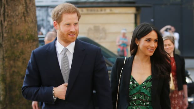 meghan-markle-self-portrait-dress