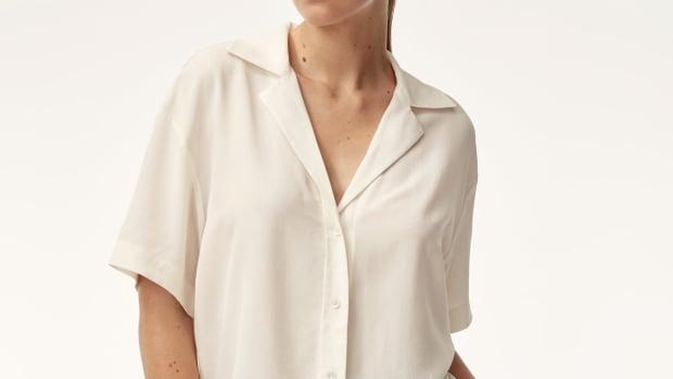 hp-aritzia-babaton-rorik-blouse