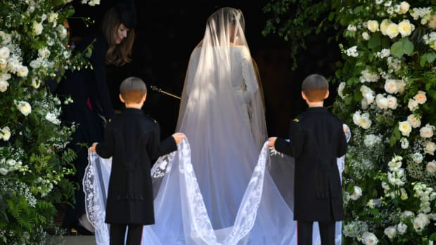 meghan-markle-royal-wedding-dress-designer-style-th