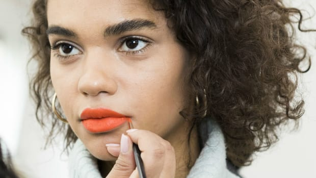 how-to-apply-lipstick-right-way-promo