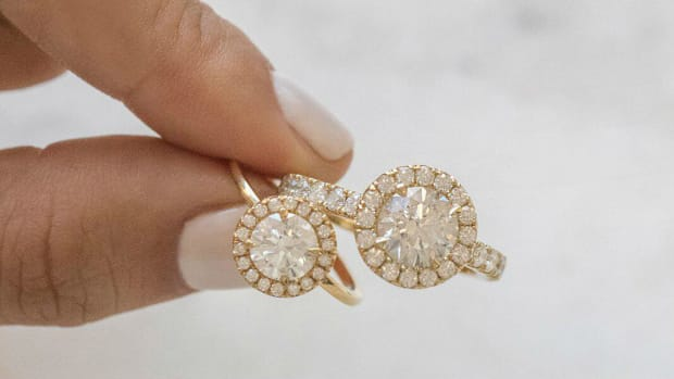 vrai oro engagement rings crop