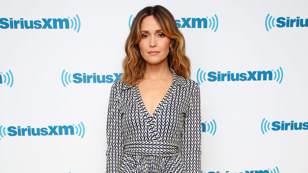 hp-rose-byrne-valentino-wrap-dress-sirius-xm-studios