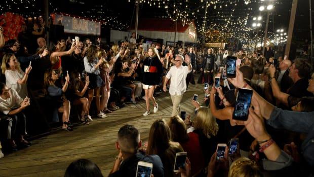 tommy-hilfiger-runway-show