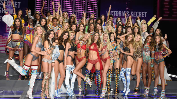 victorias-secret-first-time-walkers