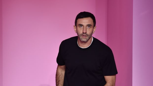 riccardo tisci burberry t-shirt drop-1