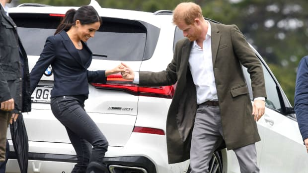 meghan-markle-wore-muck-waterproof-rubber-boots-th