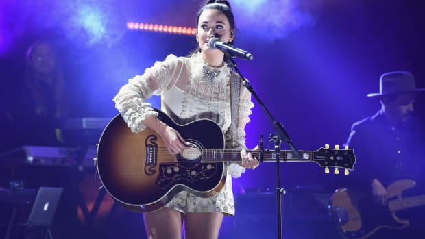kacey-musgraves-style-fashion-outfits