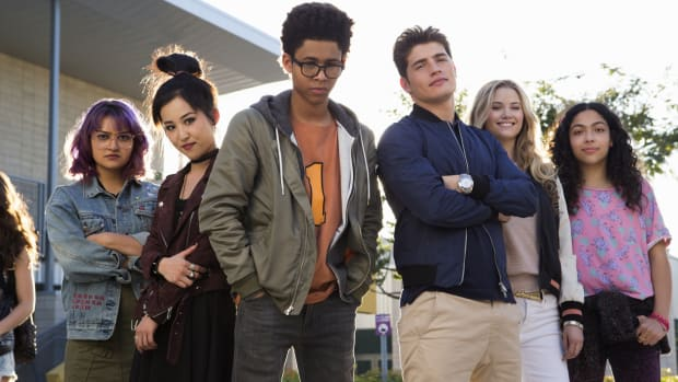 main-marvel-runaways-hulu-group-shot