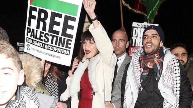 bella-protest