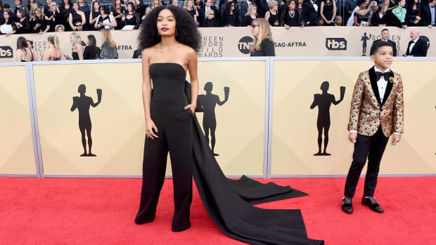 hp-yara-shahidi-2018-sag-awards-red-carpet