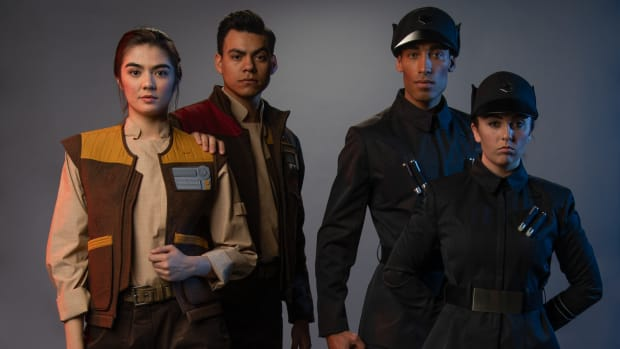 hp-disneyland-star-wars-galaxys-edge-cast-members-costumes-first-order-resistance