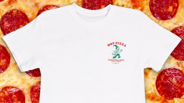 hp-emma-chamberlain-pizza-joint-tee