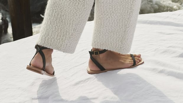 hp-shop-flat-strappy-sandals