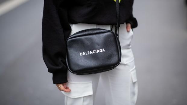 balenciaga bag street style