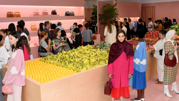 food nyfw fruit market backdrop
