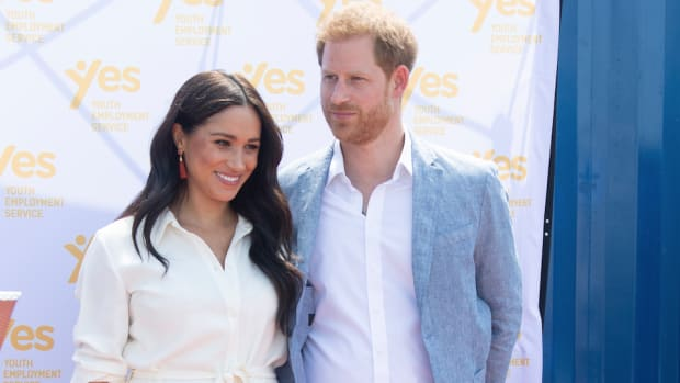 meghan markle white shirt dress