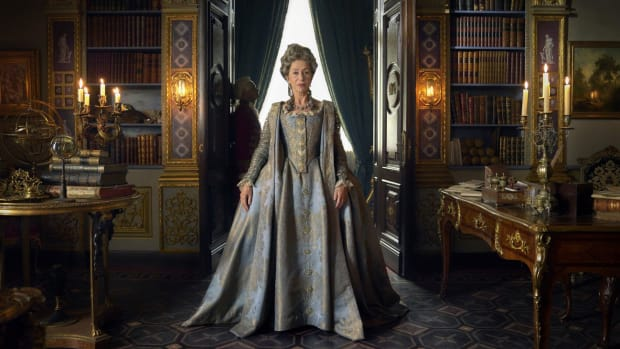 main-hbo-catherine-the-great-helen-mirren-blue-gold-dress (1)