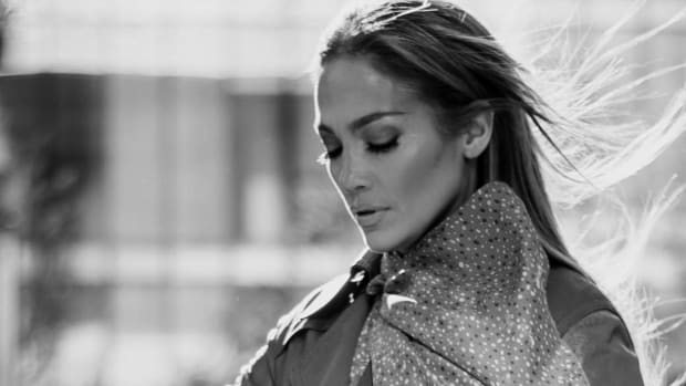 jennifer-lopez-global-face-of--coach