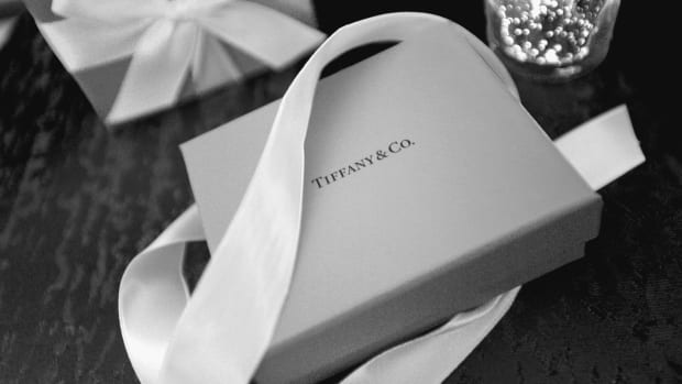 lvmh buys tiffany & co