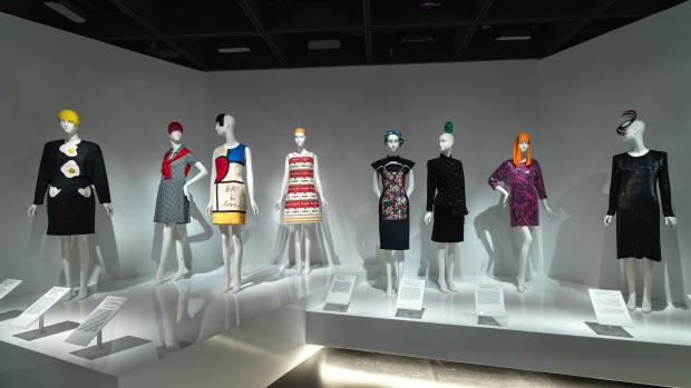 sandy schreier metropolitan museum of art costume institute exhibition review