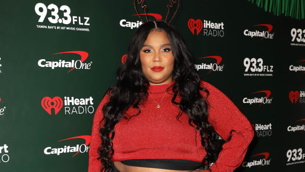 lizzo christmas outfit