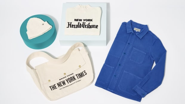 new-york-times-merch-holiday-2018-collection-th