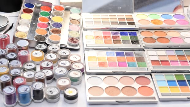 donate-resell-beauty-products