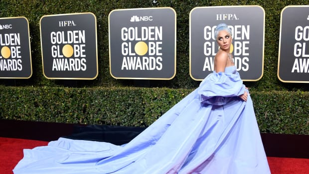 2019-golden-globes-awards-lady-gaga-valentino-couture-2