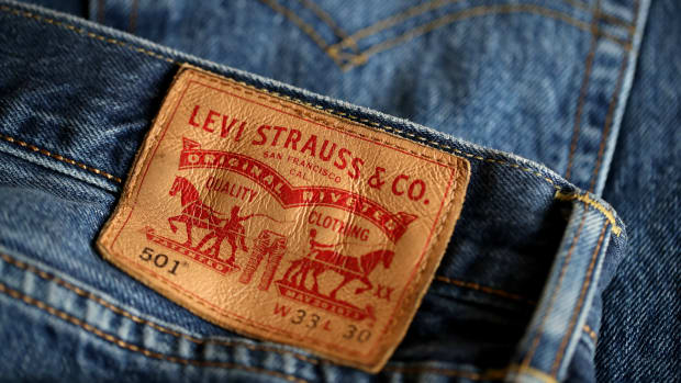 levi-strauss-files-for-ipo