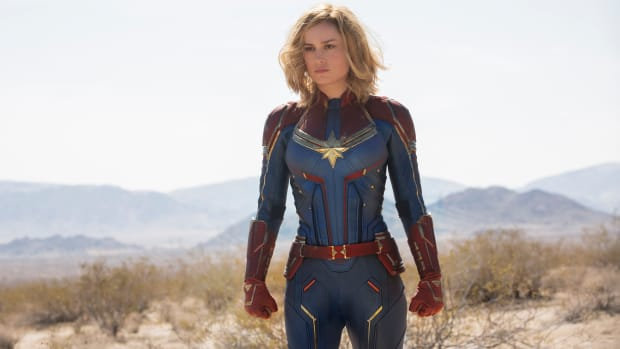 main-captain-marvel-brie-larson-supersuit