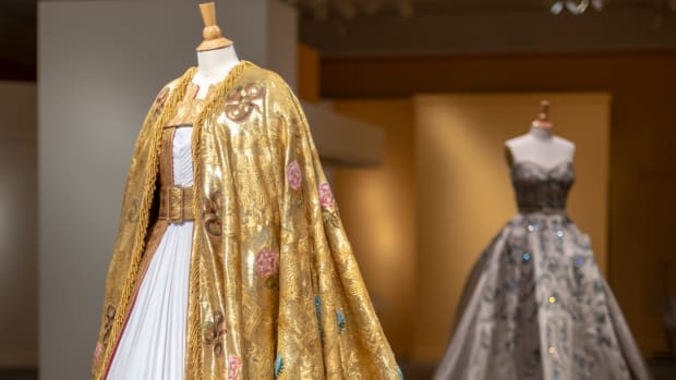 main-costuming-the-crown-winterthur-museum-exhibit