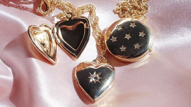 hp-shop-locket-necklaces