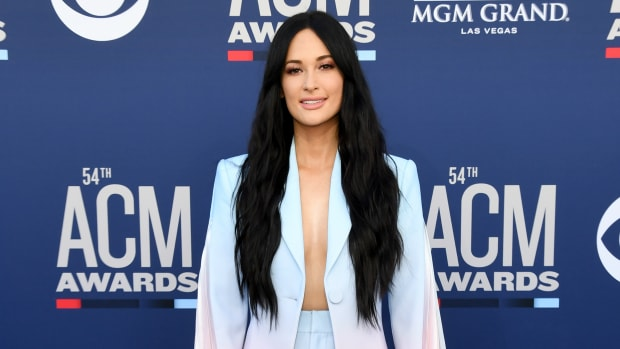 kacey-musgraves-academy-of-counrty-music-awards-2019