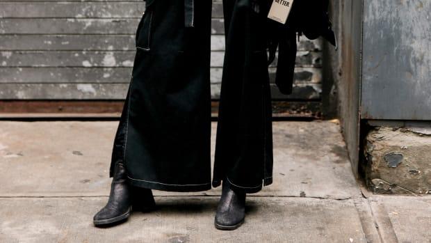 hp-shop-black-flare-jeans