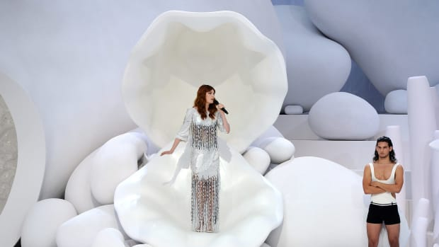 florence-welch-chanel-spring-2012