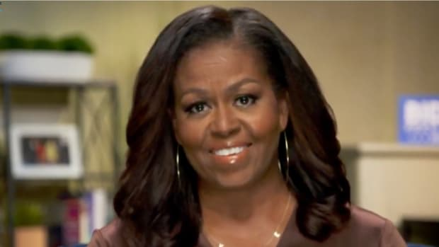 michelle-obama-dnc-2020-vote-nekclace