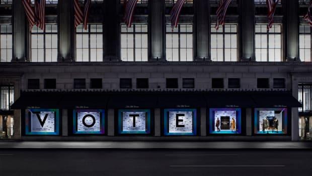 Register to Vote at Saks_Center 6